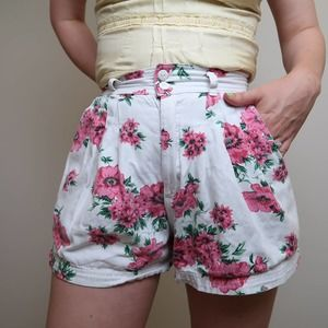 Vintage 90s white and pink floral shorts 9